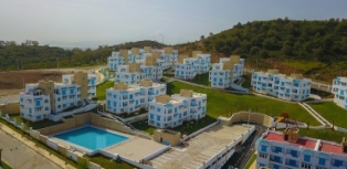 Résidence LILIA: Vue sur piscine